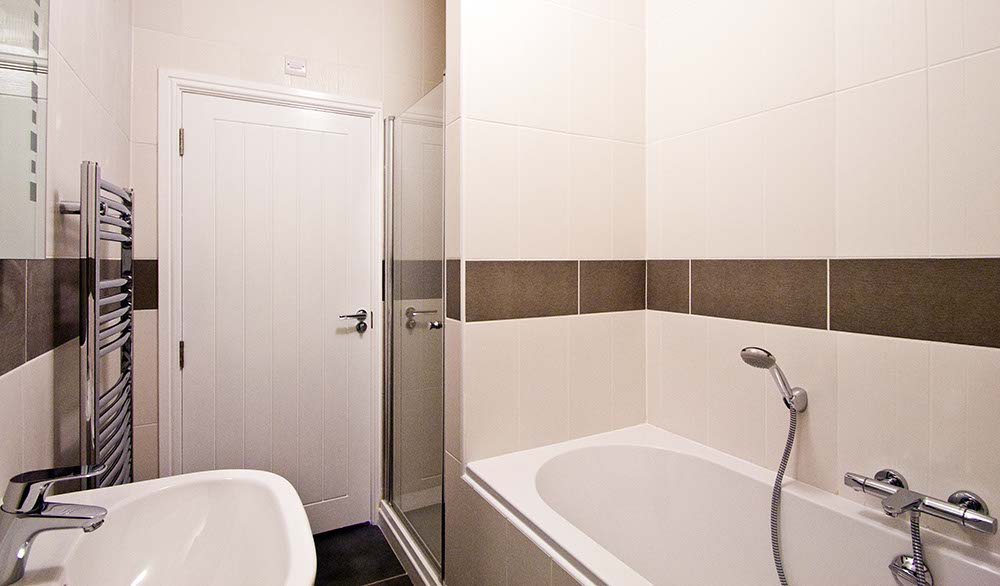 39 Rotherslade rd bathroom photo